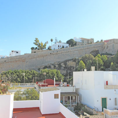 Cozy and bright 1 bedroom apartment for sale in Ibiza center