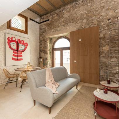 Inmobiliaria Ibiza Real Estate Refurbished Apartment For Sale In La Marina Ibiza 4