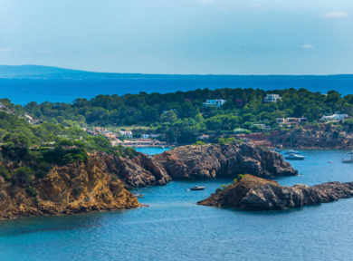 modern villa project for sale in Vista Alegre, Ibiza, proyecto de villa moderna en venta en Vista Alegre Ibiza